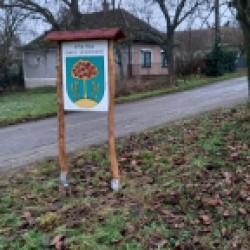 Vitrína_vchod z obci Iňa